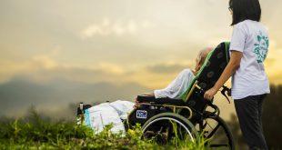 בחירת מטפלת סיעודית, מקל הליכה ושאר עזרים לגיל השלישי