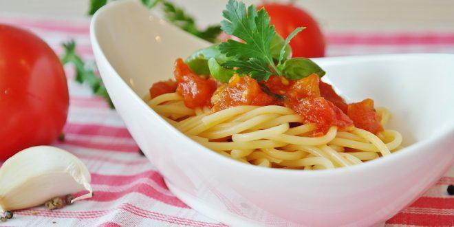 איך להכין פסטה ברוטב עגבניות