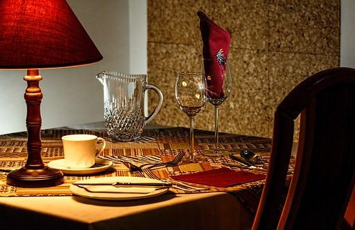 dinner-table-444434__340