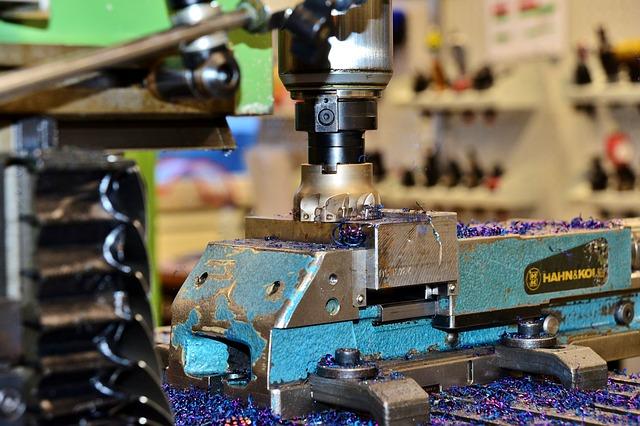 מכונת כרסום CNC