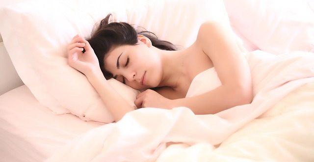 נחירות בשינה